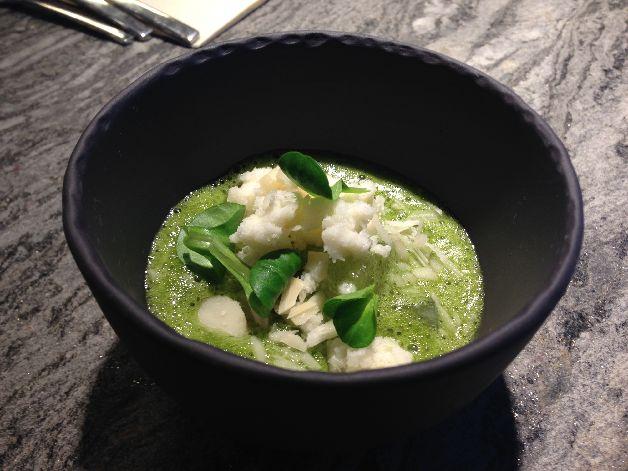 bouillon mâche wasabi poire noix macadamia dessance
