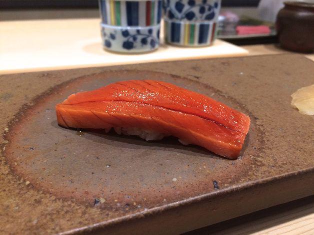 saumon sushi ginza onodera paris