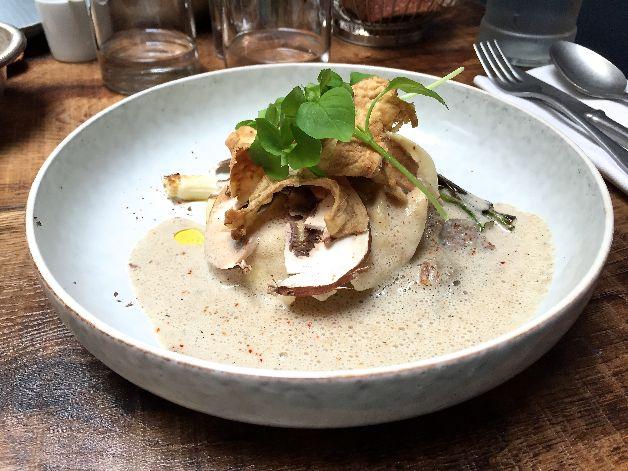 Grosse raviole volaille champignons Belle Maison Paris